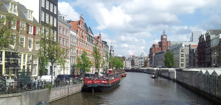 On the right is the Bloemenmarkt.