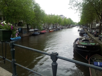 There certainly is no shortage of beautiful canals in this place.